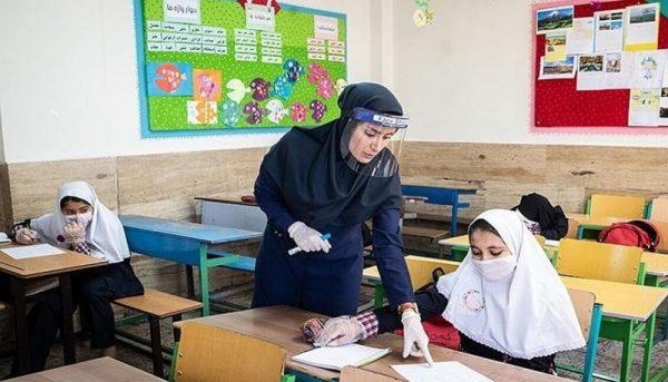 معلمان کدام کشور بالاترین حقوق را میگیرند؟/ درآمد معلم ایرانی، کمتر از معلم مصری