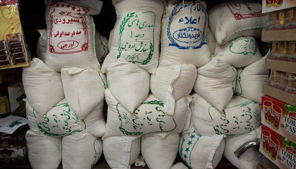 ۱۶ هزار تن برنج وارداتی ترخیص میشود