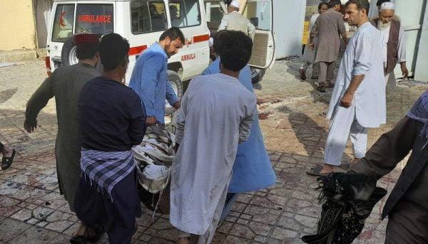 وقوع انفجار مهیب در مسجدی در شمال افغانستان / ۱۰۰ کشته و ۱۵۰ زخمی