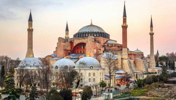تور کشورهای اروپایی آغاز شد/ تور ۵ روزه ترکیه فقط ۲ میلیون تومان!